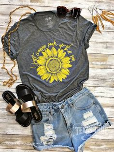 I just wanna soak up the sun tee by Texas True Threads. We love this yellow sunflower on a your choice of light heathered red or grey tee! True to size on the generous side, printed on a soft triblend tee. Casual Outfits, Summer Outfits, Cute Outfits, Fashion Outfits, Cute Summer Shirts, Cool T Shirts, Summer Tshirts, Paint Shirts, Vinyl Shirts