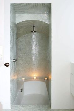 1000 ideas about sunken hot tub on pinterest hot tubs for Tiny ensuite designs