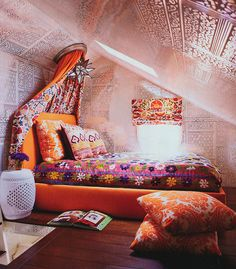 Ethnic and beautiful décor. #decor #bedroom #color #stamp #interior #design #casadevalentina