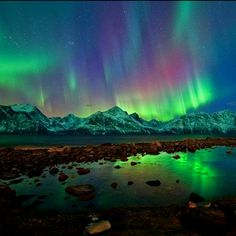 Aurora Borealis a breathtaking sight I must experience live, before I can die lol