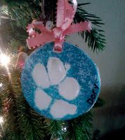 Homemade Mamas: Pawprint ornaments