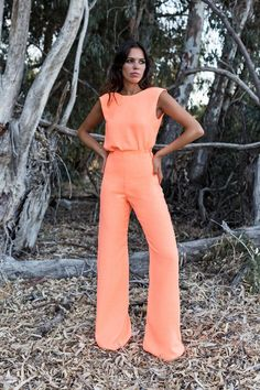 Swans Style is the top online fashion store for women. Shop sexy club dresses, jeans, shoes, bodysuits, skirts and more. Fashion Mode, Love Fashion, Fashion Outfits, Summer Outfits, Casual Outfits, Cute Outfits, Overall Jumpsuit, Look Girl, Look Chic