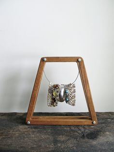Display Photo Frame Made From a Vintage Wood Tennis by cattales