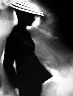 """Tunic Suit,"" model Sunny Harnett, suit by Charles James, 1955 (Harper's Bazaar). Reinterpreted Photo by Lillian Bassman Charles James, Stephen James, Black And White Portraits, Black And White Photography, Monochrome Photography, High Fashion Photography, Art Photography, Vintage Photography, Artistic Photography"