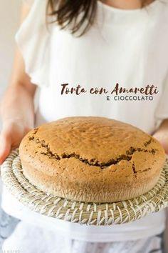 TORTA CON AMARETTI E CIOCCOLATO Italian Recipes, New Recipes, Cooking Recipes, Cake Mix Desserts, Chocolate Coffee, Love Cake, Sweet Cakes, Sweets Recipes, Chocolate Recipes