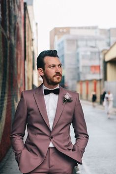 Inspiration: Top 10 Style Tips For Dapper Grooms - Chic Vintage Brides : Chic Vintage Brides Wedding Tux, Mauve Wedding, Wedding Attire, Unique Mens Wedding Suits, Male Wedding Suits, Wedding Shot, Wedding Bridesmaids, Dress Wedding, Bridesmaid Dress