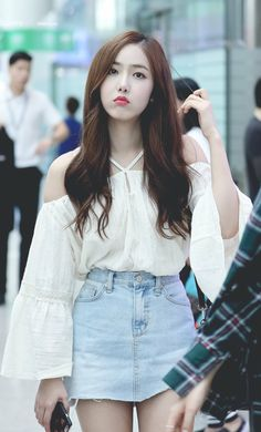 Perfect Summer Outfits Ideas With Jeans For Girls Kpop Outfits, Girl Outfits, Cute Outfits, Fashion Outfits, Kpop Fashion, Korean Fashion, Womens Fashion, Airport Fashion, Jeans Outfit Summer