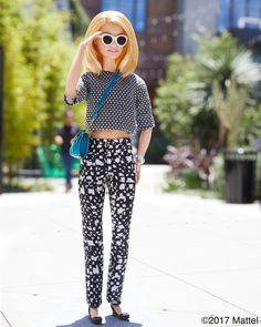 Barbie®: Style tip: it's always fun to play with patterns! Barbie Life, Barbie House, Barbie World, Barbie Sets, Barbie And Ken, Hello Barbie, Barbie Summer, Barbie Fashionista Dolls, Barbie Collection