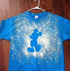 DIY Disney World bleach t-shirts (Disney Diy Shirts) Disney World Vacation, Disney Vacations, Disney Trips, T Shirt Art, Bleach T Shirts, Disney 2017, Disney Cruise, Disney Art, Walt Disney