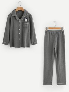 SheIn offers Contrast Piping Pajama Set & more to fit your fashionable needs. Cute Date Outfits, Cute Comfy Outfits, Cool Outfits, Fashion Outfits, Gothic Fashion, Night Pajama, Pajama Set, Cute Pajamas, Pajamas Women