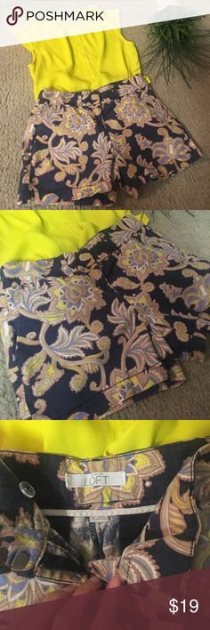 Ann Taylor Loft Paisley Shorts💙🍋 Beautiful Ann Taylor Loft Size: 00 Paisley Blue and a Yellow shorts, so summery and fun! Dresses it up or down! Pair it with a Navy blazer and cute flats for a wonderful weekend look! Good condition, comes from a smoke-free home:)🌵💙🦋🍋 (Blouse not included) Ann Taylor Loft Shorts Jean Shorts