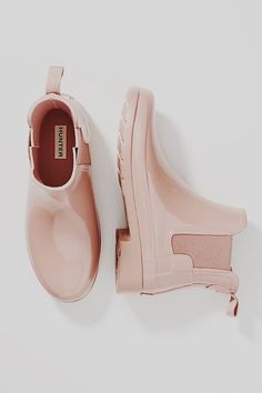 I'm not usually into pink but this color is popping. It's almost a nude color sho I can see myself paring it with so many different outfits. Sock Shoes, Cute Shoes, Me Too Shoes, Rain Boots, Shoe Boots, Shoes Heels, Dream Shoes, Crazy Shoes, Elegantes Outfit Frau