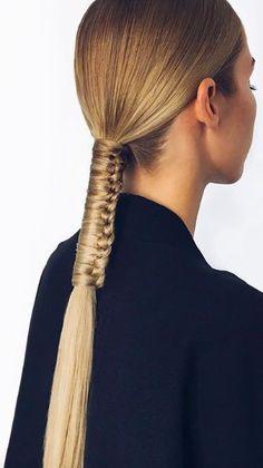 53 Box Braids Hairstyles That Rock - Hairstyles Trends Runway Hair, Hair Arrange, Corte Y Color, Editorial Hair, Natural Hair Styles, Long Hair Styles, Box Braids Hairstyles, Elegant Hairstyles, Hair Art