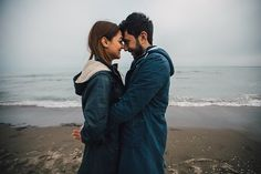 15 Alternative Valentines Day Date Ideas Way More Romantic Than Going Out to Eat Dating Memes, Dating Tips, Couple Goals, Photos Amoureux, Types Of Hugs, Day Date Ideas, Cute Couple Quotes, Romance, Couples Images