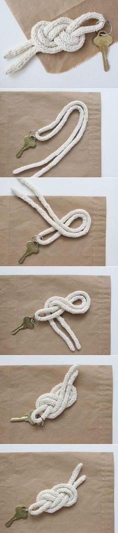L'idée : Créer un porte-clés marin avec de la corde. - Create a marine key chain with rope.