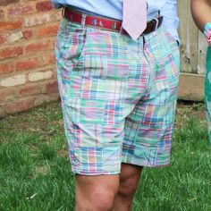 Inspired by early style and made in Castaways signature prewashed cotton, these light-weight madras shorts are ideal for any summer activity. Preppy Mens Fashion, Nautical Fashion, 1960s Fashion, Men's Fashion, Fashion Outfits, 1960s Style, Ivy Style, Prep Style, Moda Masculina