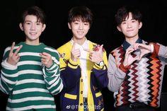"""TFBOYS update weibo _  Đêm hội cuối năm 2017 - Hồ Nam [171231] """"Happy new year''"""