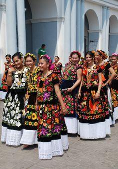 Tehuanas wearing traditional dress