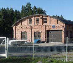 ÄHTÄRIN MAISEMIA - Vanha tehdashalli Inhan tehtaalla.