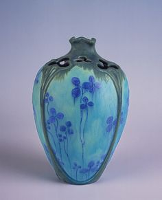 Edmond Lachenal (1855–1948) - Vase. Painted & Glazed Pottery. Decorated by Émile Decoeur. Circa 1900. 22cm.                                                                                                                                                     Más