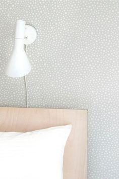 The wallpaper Dots Grå - from Majvillan is a wallpaper with the dimensions x m. The wallpaper Dots Grå - belongs to the popular wallpape Grey Dot Wallpaper, Wallpaper Paste, Wall Wallpaper, Hygge, Easy Up, Wallpaper Stores, Waste Paper, Grey Walls, Scandinavian Style