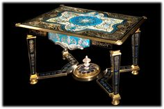Table ryad Marqueterie sur verre.  Creation Sylvain Bulot.
