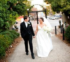 UGA Arches #December #wedding in Athens  @moderntrousseau #winterwedding #godawgs #moderntrousseau