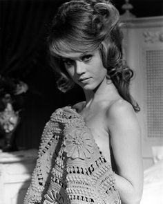 Jane Fonda in Barbarella Jane Seymour, Jane Fonda Barbarella, Divas, Romain Gary, Henry Fonda, Lady Jane, Classic Actresses, Hollywood Actresses, Vintage Hollywood