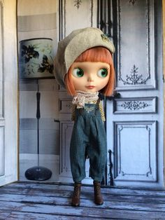 This outfit set for Blythe is really cute, consisting of the sweetest pair of overalls, with a pretty shirt underneath and a matching scarf. The