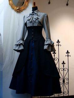 Viktorianische Kleider Source by idea formal Lovely Dresses, Vintage Dresses, Vintage Outfits, Victorian Dresses, Victorian Dress Costume, 1800s Dresses, Gothic Lolita Dress, Gothic Lolita Fashion, Victorian Fashion