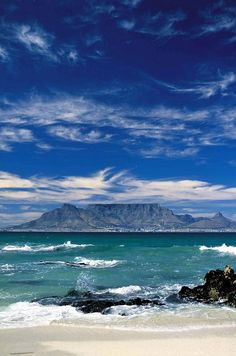 Table Mountain from Bloubergstrand, Cape Town, South Africa Places To Travel, Places To See, Le Cap, Cape Town South Africa, Out Of Africa, To Infinity And Beyond, Africa Travel, Beautiful Beaches, Beautiful World
