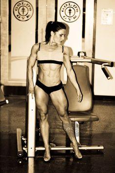 WBFF Pro Figure & 2x World Champion Emily Stirling
