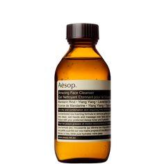 Удивительный Cleanser Face. Невысокое вспенивание, мандарин-проникнуты гель моющее средство для комбинированной или жирной кожи.