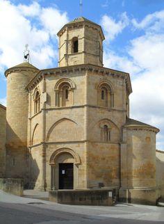 nave, ábside y torre redonda. En la otra punta de Navarra, la iglesia del Santo Sepulcro, en Torres del Río. S. XII, planta octogonal, probablemente de origen templario.