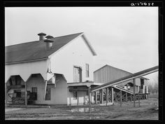 Cotton gin and warehouse. Sunflower Plantation, Mississippi (1939 Jan) Lee