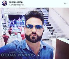 👏🏻👏🏻 Danilo garantiu o #aviador mais famoso do mundo e arrasou na #selfie dentro das Óticas Wanny Oscar Freire 📸😎 E você escolheu seu 🕶 para aproveitar o verão? #musthave #rayban #clientewanny #estiloso #oscarfreire #oticaswanny