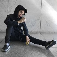 Selfies, Rocker Chic, Poses, Youtubers, Snapchat, Crushes, Bomber Jacket, Punk, Jackets