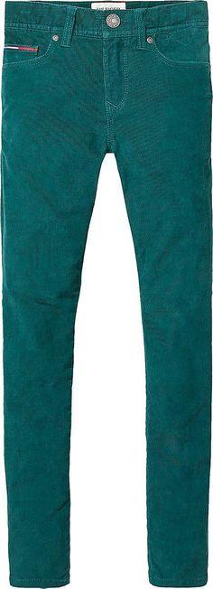 Tommy Hilfiger Scanton Jeans mit schmaler Passform, geradem Bein und normaler Leibhöhe. Denim Farbe im Washed-Out Look und Logostitching an der Münztasche.98% Baumwolle, 2% Elastan...