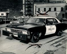 Cool old cop cars - Page 39 Us Police Car, Police Officer, Police Uniforms, Emergency Vehicles, Police Vehicles, Radios, 4x4, Car Badges, Commercial Vehicle