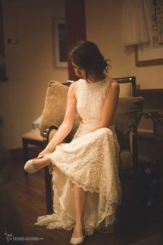 REAL BRIDE { Camila + Jaymes } Photo Tayrine e Gotardo |  LINA BO BARDI wedding gown from A MODISTA atelier | http://tayrineegotardo.com/blog/camila-e-jeymes-sao-paulo-sp/