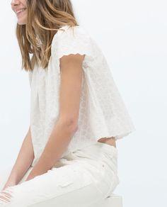 Imagen 2 de TOP HOMBROS DESCUBIERTOS de Zara