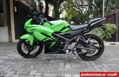 Dijual Kawasaki - Ninja 150 RR (2013) Rp.33.000.000 Terawat bgt bro jarang dipakai #JM   http://bit.ly/1yQ5FwE