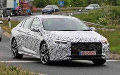 A variante mais desportiva do novo familiar da marca do raio deverá contar com um motor V6 biturbo e com o novo sistema de tracção integral da Opel