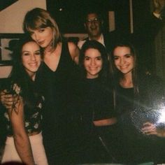 TO SEE MY DAD PHOTO BOMBING IS TO SEE HIM AT HIS HAPPIEST. -via taylorswift,com