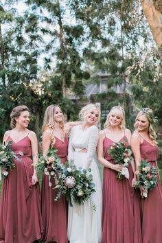 Top 4 fall wedding color combos to steal. forever crushing on you vintage boho wedding bridesmaids in dusty rose dresses Red Bridesmaids, Burgundy Bridesmaid Dresses, Wedding Bridesmaid Dresses, Vintage Style Bridesmaid Dresses, Bridesmade Dresses, Bridesmaid Ideas, Wedding Bouquets, Vintage Dresses, Boho Wedding