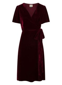 The Harley Velvet Wrap Dress is a plus velvet deep Cabernet colour midi dress perfect for party season. The wrap front is secured with a fabric tie. Vintage Inspired Outfits, Vintage Outfits, Joanie Clothing, Wrap Dress, Dress Up, Christmas Fashion, Christmas 2019, Party Fashion, Pretty Outfits