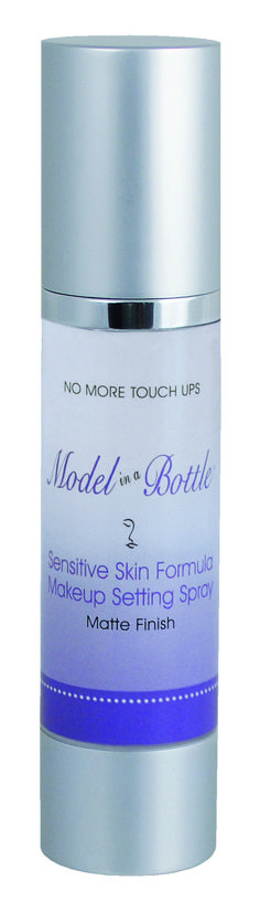 Model in a Bottle Sensitive Skin Formula is resistant to smudging, tears, humidity, and water. (Setting spray)