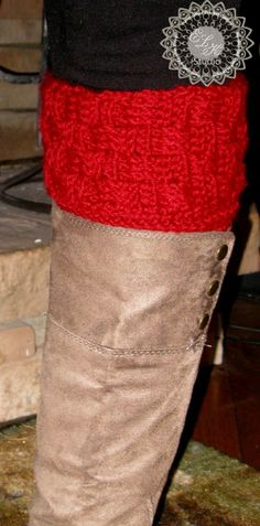 Last year I had made a pair of basketweave boot cuffs and posted them on the blog. I never got around to writing out the pattern but had someone ask me if I planned on releasing the pattern. Well, I finally got around to it and here it is! Supplies: Yarn – Red Heart Soft or equivalent to...