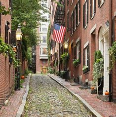 America's Best Cities for Fall Travel - yes, please! I was an early American history nerd in elementary school and I always loved to visit this place! Where am I?