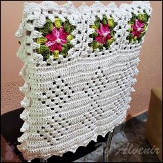 Set placemat + 6 crochet chair covers, handmade wool home decor item Crochet Tablecloth Pattern, Crochet Patterns, Crochet Dollies, Crochet Hats, Crochet Projects, Sewing Projects, Hardanger Embroidery, Embroidery Jewelry, Chair Covers